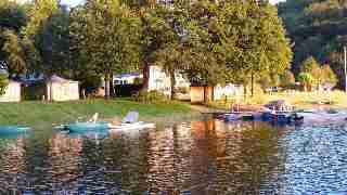 la camping au bord du lac